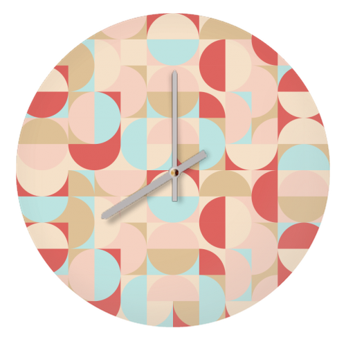 GEOMETRIC CIRCLE AND SQUARE PATTERN - creative clocks designed by Art Wow artist Rahma Project